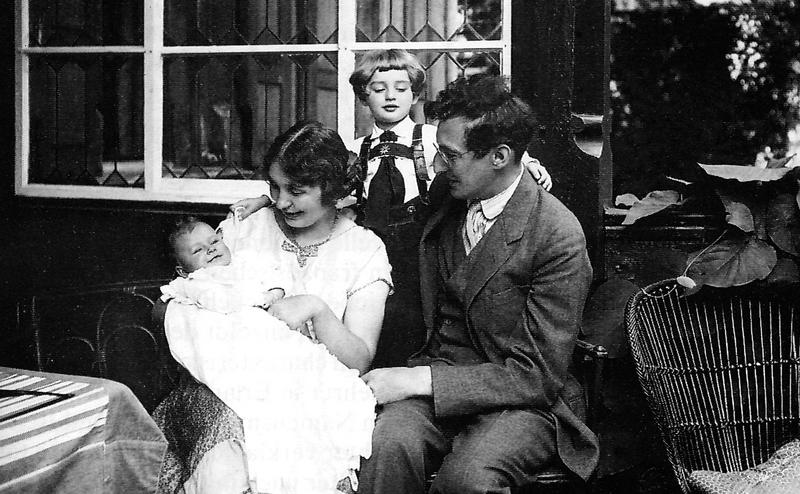 Ulla, Friedi, Günther, Ernst Penzoldt 1927